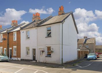 Beaconsfield Place, Epsom, Surrey KT17. 2 bed end terrace house