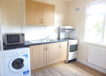 Thumbnail 1 bed flat to rent in Hayhurst Road First Floor, Luton