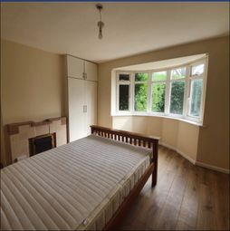 5 bed semi-detached house to rent in London Road, Reading RG1