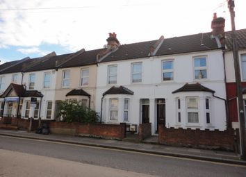 2 bed maisonette to rent in Cecil Road, Hounslow TW3