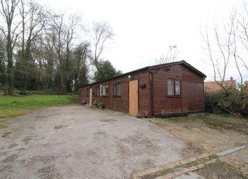Thumbnail Bungalow to rent in Shendish, Hemel Hempstead