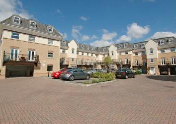 Thumbnail 2 bed flat for sale in Hipley Street, Old Woking