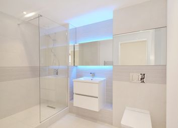 Thumbnail 2 bedroom flat for sale in London