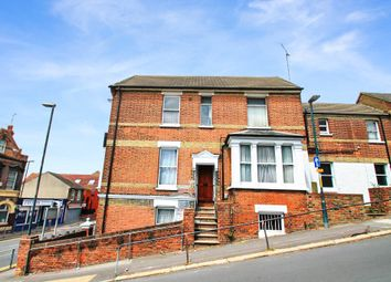 1 bed flat to rent in Constitution Hill, Chatham, Kent ME5