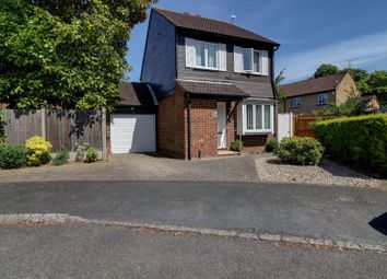 3 bed detached house for sale in Alterton Close, Woking GU21
