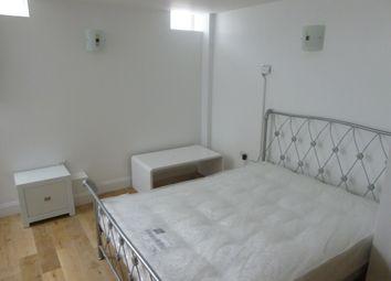 Thumbnail Studio to rent in Flat 1, 24 Newmarket Road, Cambridge