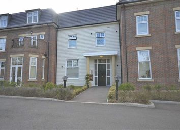 Thumbnail 3 bed flat to rent in Beech Hill, Hadley Wood, Hertfordshire