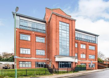 Wolsey Road, Hemel Hempstead HP2. 2 bed flat