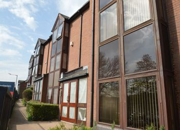 Thumbnail 1 bed flat to rent in Bellfield Road, High Wycombe