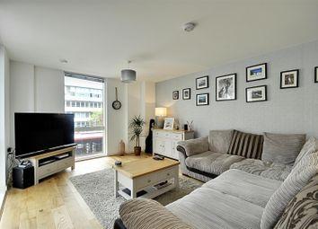 Thumbnail 1 bedroom flat for sale in Gilbert House, Great West Quarter, Brentford