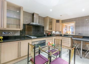 Thumbnail 1 bed flat to rent in Park Road, Baker Street