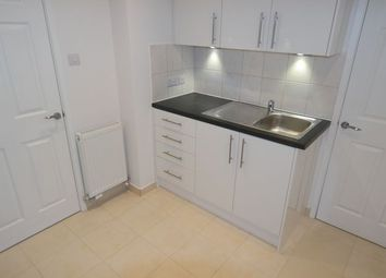 1 bed maisonette to rent in Willenhall Road, Woolwich, London SE18