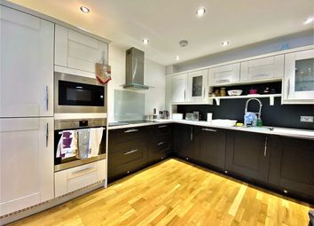 2 bed flat to rent in Regent Street, Whitstable CT5