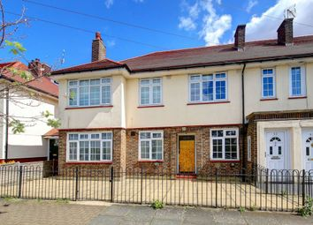 Thumbnail 3 bed flat for sale in Fieldview, Wandsworth