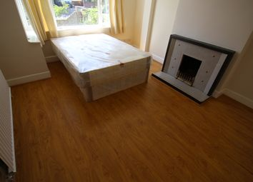Thumbnail Room to rent in Tolworth Broadway., Tolworth