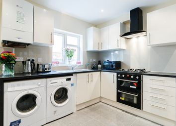 Thumbnail Room to rent in Henry Rd, Slough