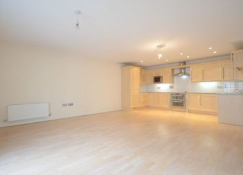 Thumbnail 2 bedroom flat to rent in Kenavon Drive, Reading