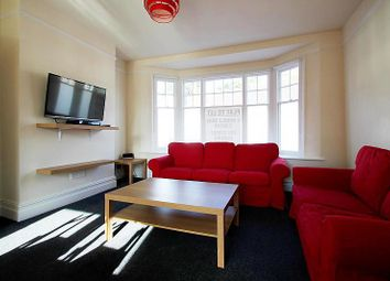 Thumbnail Room to rent in High Street, Reigate