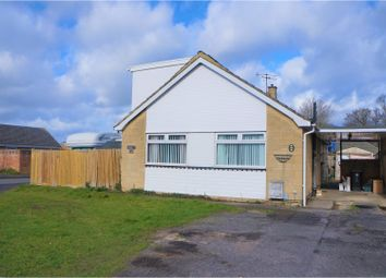 Thumbnail 4 bedroom detached bungalow for sale in Severn Avenue, Swindon