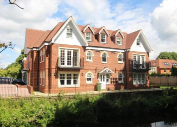 Thumbnail 2 bed flat to rent in Chobham Road, Horsell, Woking