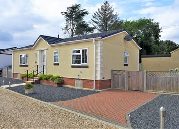 Thumbnail 2 bed mobile/park home for sale in Gattington Park, Hawthorn Hill, Dogdyke, Lincoln