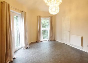 Thumbnail 2 bed flat for sale in Quinneys, Farnborough