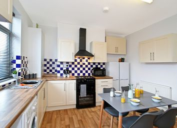 Thumbnail Room to rent in Painthorpe Terrace, Crigglestone, Wakefield