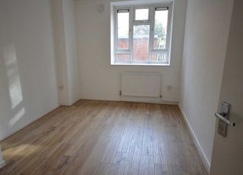 Thumbnail 3 bed flat to rent in Clarkson Street, London