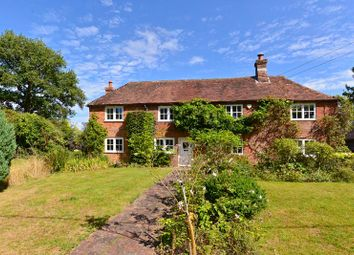 Knowle Lane, Cranleigh GU6. 3 bed detached house