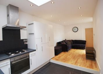 Thumbnail 3 bedroom flat to rent in Hornsey Road, Islington