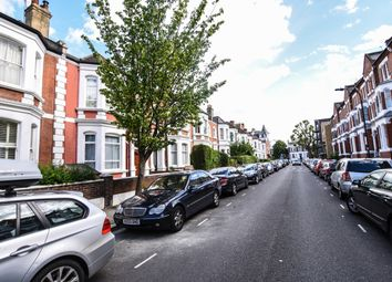 Thumbnail Room to rent in Ormiston Grove, London