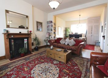 Thumbnail 2 bed flat to rent in Cavendish Road, Harringay, London