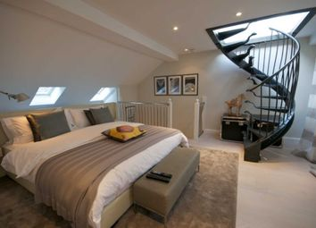 Thumbnail 3 bed mews house to rent in Pavilion Road, London