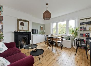 The Barons, Twickenham, London TW1. 1 bed flat for sale