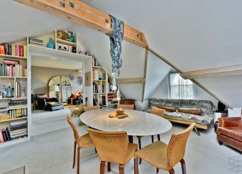 Thumbnail 2 bedroom property for sale in West Smithfield, London