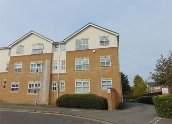 Thumbnail 2 bed flat to rent in Elm Park, Reading, Berkshire