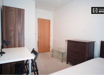 Thumbnail 4 bed shared accommodation to rent in New Village Avenue, London