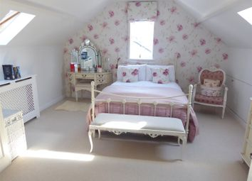 Thumbnail 2 bed flat for sale in St. Peters Road, Dunstable