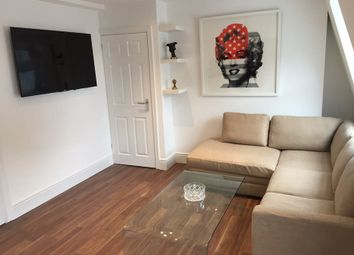 Thumbnail 1 bed flat to rent in Pembroke Road, Kensington