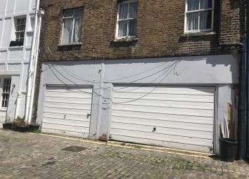 Thumbnail Property to rent in Gloucester Mews, London