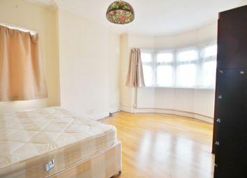 Room to rent in Beaconsfield Road, London N11