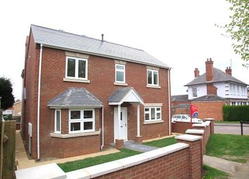 Thumbnail 4 bed detached house to rent in Finedon Road, Irthlingborough, Northamptonshire