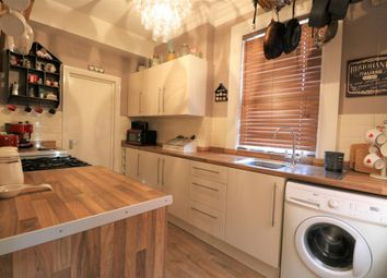 Thumbnail 1 bed flat for sale in Silverthorne, Camberley