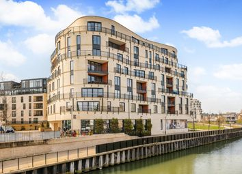 2 bed flat to rent in Victoria Bridge Road, Bath BA2