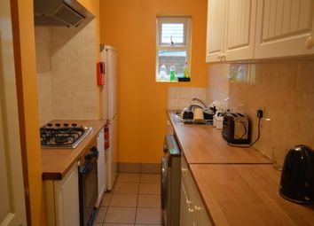 Thumbnail Room to rent in Samuel Street, London