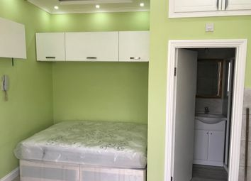Thumbnail 1 bed flat to rent in High Road, Seven Sisters