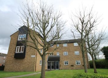 Thumbnail 2 bed flat to rent in Oakridge Drive, East Finchley