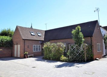 Thumbnail 2 bed property for sale in Yeoman Court, Wokingham, Berkshire