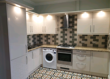 3 bed flat to rent in Sunny Gardens Road, London NW4