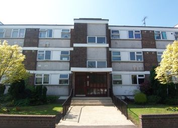 1 bed flat to rent in Snakes Lane East, Woodford Green IG8